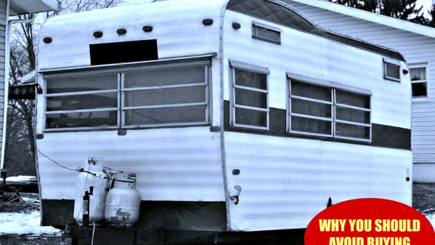 why-buying-a-20-year-old-motor-home-is-risky
