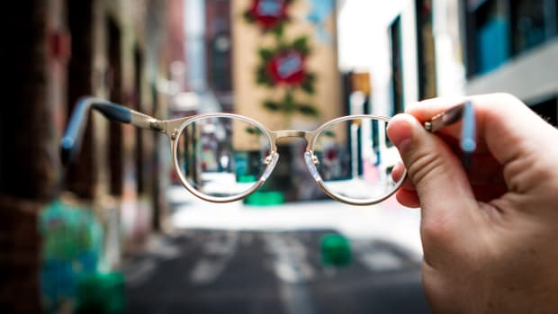 where-to-buy-your-glasses-online-an-overview-of-prescription-glasses-retailers