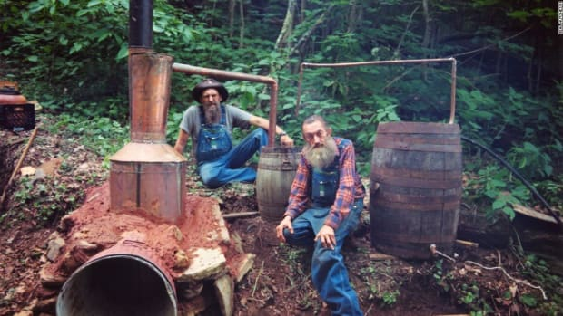 top-10-songs-about-moonshine-in-country-music-history