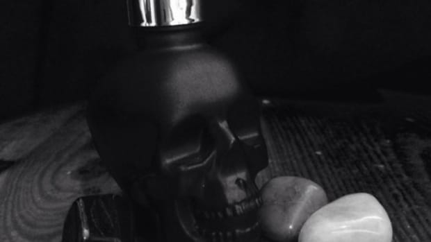corpore-sanctum-studio-skincare-review-skull-stem-cell-face-serum