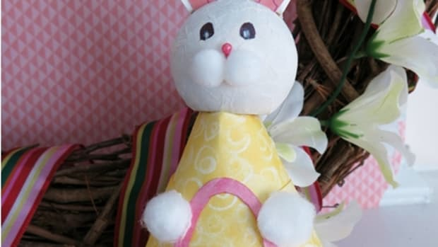 diy-easter-craft-how-to-make-a-paper-plate-easter-bunny-figure