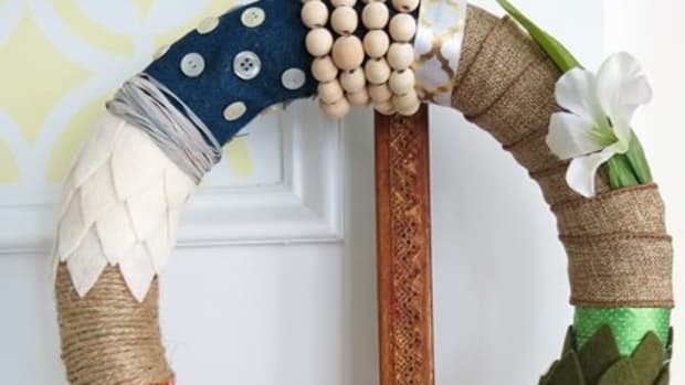 diy-craft-tutorial-how-to-make-a-four-seasons-fabric-and-ribbon-wreath