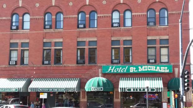 historic-hotel-st-michael-on-whiskey-row-downtown-prescott-arizona