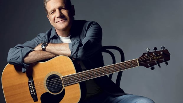 takamine-signature-guitars-glenn-frey-vs-garth-brooks