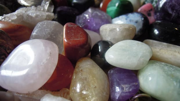 using-crystals-to-bring-balance-to-life