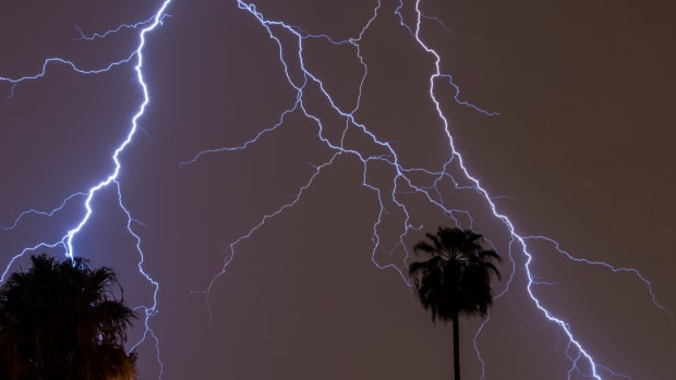 how-to-capture-lightning-with-your-camera