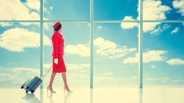 5-things-to-consider-before-becoming-a-flight-attendant