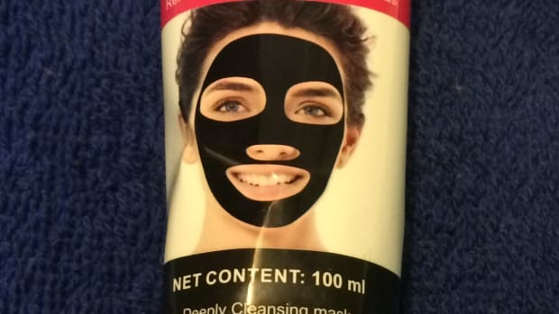 skincare-reviews-scuddles-black-mask-blackhead-remover-purifying-black-peel-off-mask