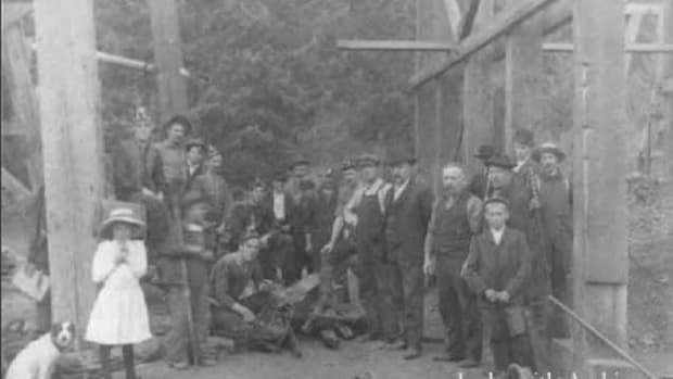 miners-wives-ladysmith-1913