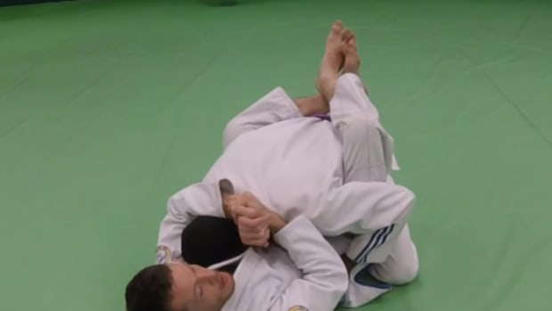 how-to-break-posture-in-closed-guard
