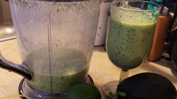 extreme-diabetes-management-cucumber-parsley-whey-protein-smoothie