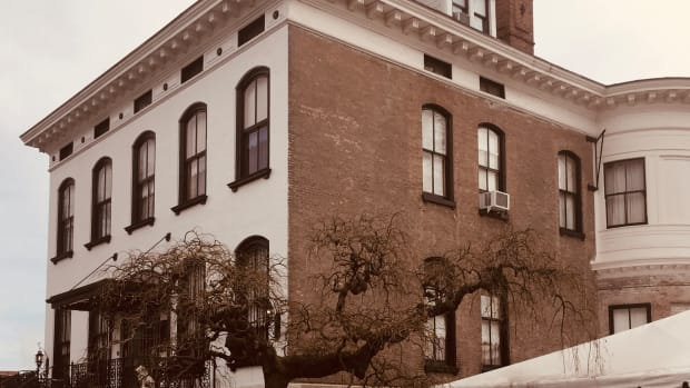 the-legacy-of-the-lemp-mansion