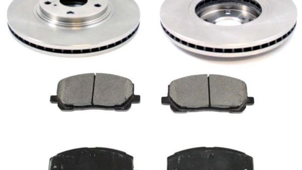 toyota-front-brake-service-brake-pad-and-rotor-replacement