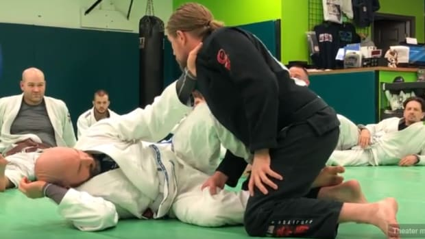 how-to-pass-scissor-half-guard-z-guard
