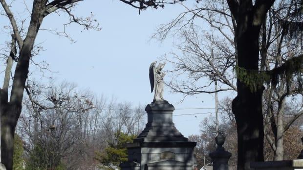 muskegons-evergreen-cemetery