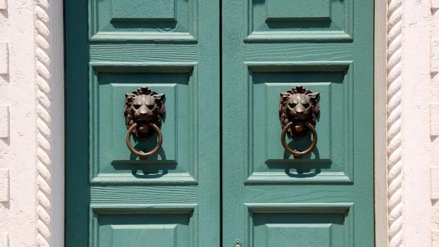 3-limericks-dedicated-to-door-to-door-salesmen