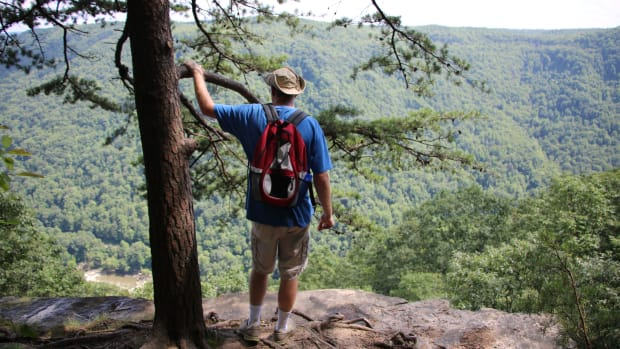 best-day-hikes-in-new-river-gorge-west-virginia