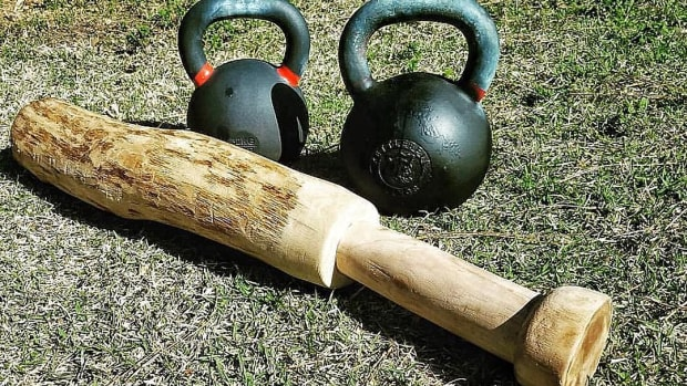 kettlebell-exercises-for-abs