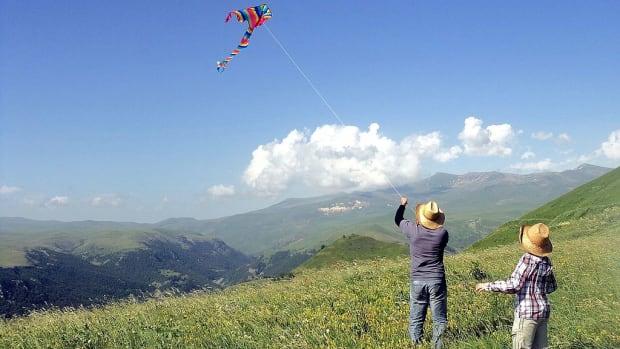 caribbean-story-part-4-the-easter-kite