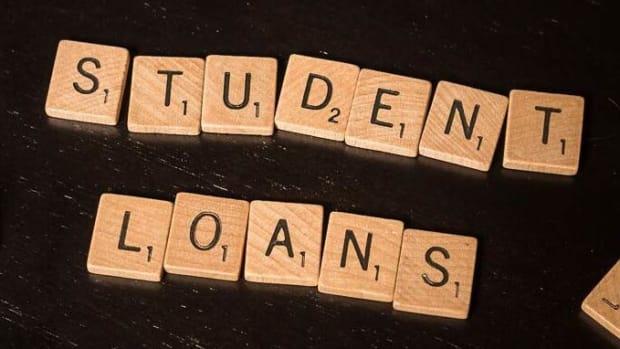 高学生贷款 - 穷人 - 学生 - 和粉碎的希望如何汇总 - 学生贷款付款