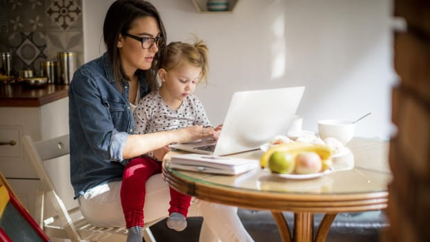 company-doesnt-offer-maternity-leave