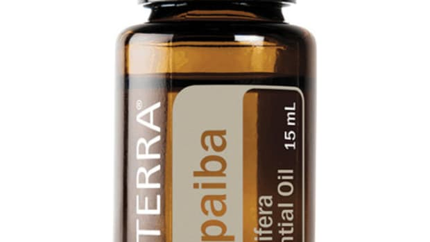 copaiba-essential-oil-aromatic-and-topical-benefits