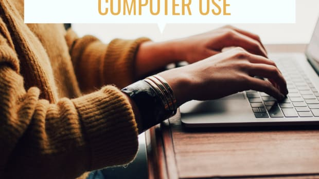 computer-ergonomics-at-work-eye-strain-back-and-neck-pain