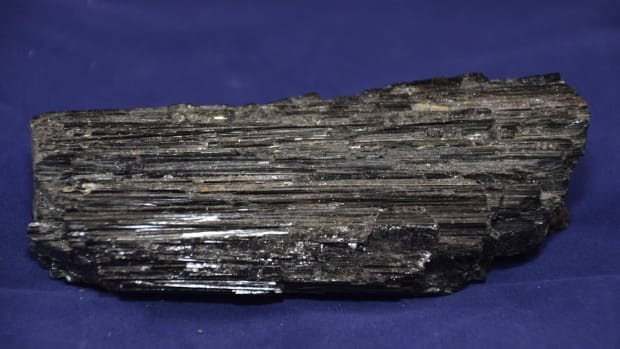 top-5-benefits-of-black-tourmaline
