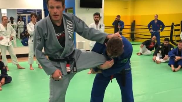 how-to-defend-a-single-leg-takedown