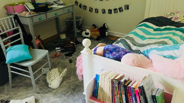 decluttering-tips-for-overwhelmed-parents
