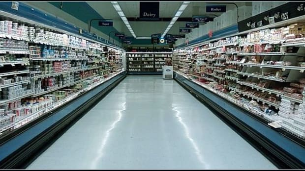 strange-night-at-the-supermarket