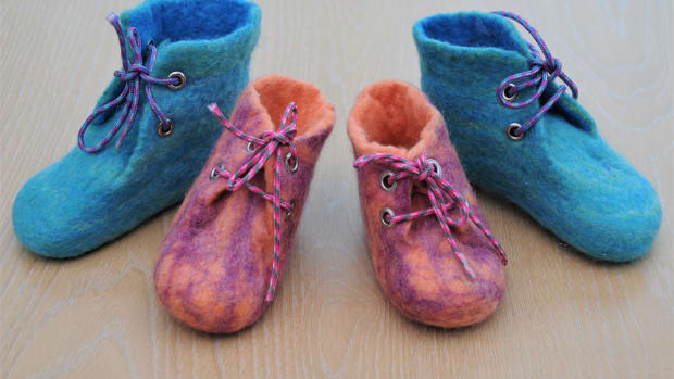 how-to-make-wet-felted-booties-or-slippers-with-laces