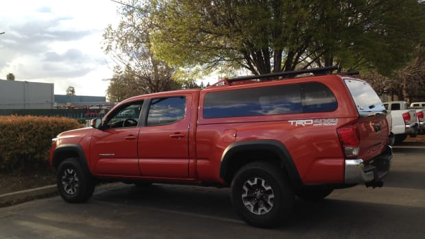 camper-shells-on-toyota-tacomas
