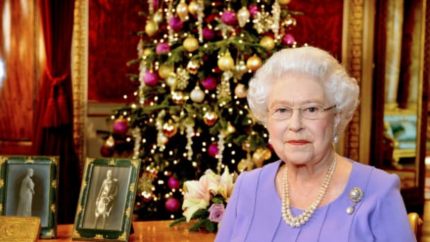 royal-family-unusual-christmas-traditions