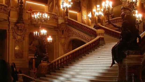 the-phantom-of-the-opera-the-novel-versus-the-musical