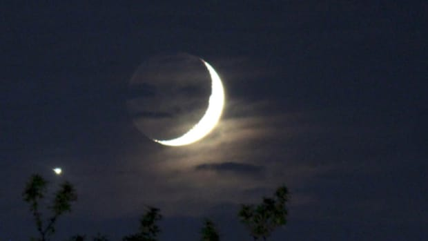 mythologies-of-the-moon