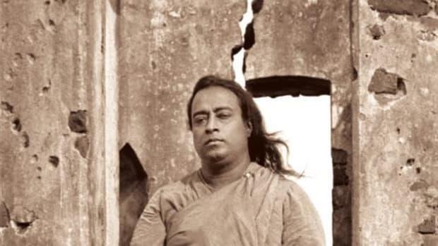 """Paramahansa Yogananda's """"Thy Secret Throne"""""""