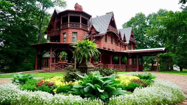 visiting-the-mark-twain-house-and-museum