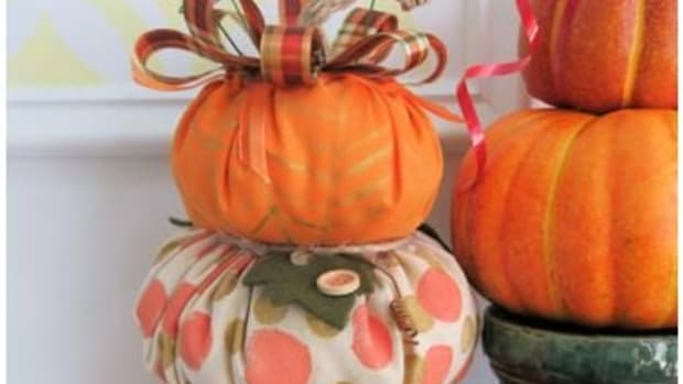 how-to-make-a-fabric-pumpkin-topiary