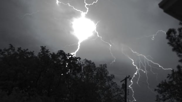 review-of-ball-lightning