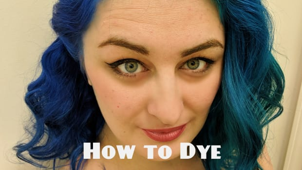 how-to-dye-your-hair-two-toned-blue-a-review-of-arctic-fox-poseidon-aquamarine