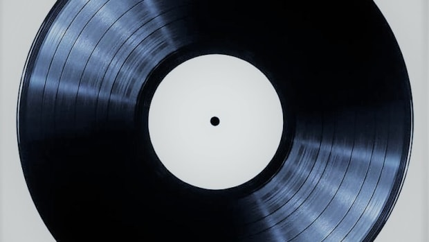vinyl-to-paper-how-to-write-an-album-review