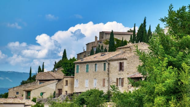 discover-the-village-of-lurs-france