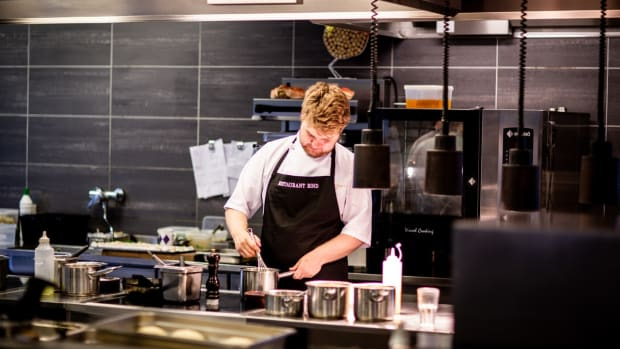 5-ways-foh-can-make-boh-lives-easier-in-restaurants