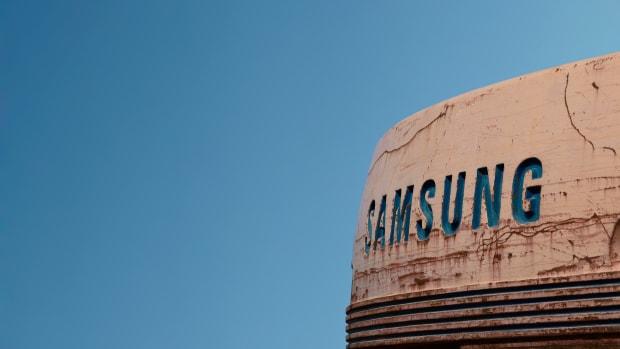 samsung-galaxy-how-to-fix-the-green-bar-photo-glitch