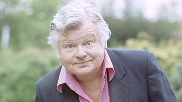 comedic-legend-benny-hill