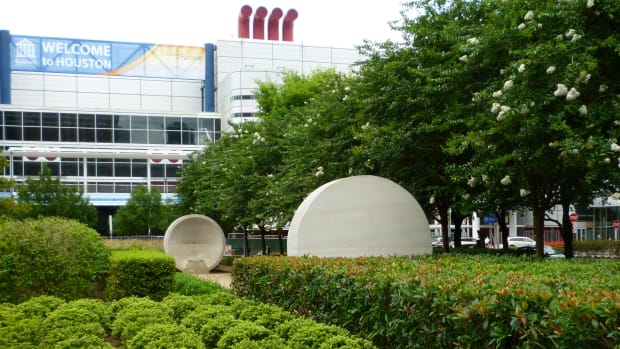 listening-vessels-at-houston-discovery-green-park