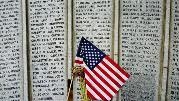 houston-heights-wwii-memorial-heartfelt-tribute