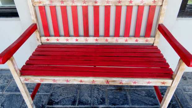 rosenberg-arts-alliance-enticing-public-art-benches-downtown