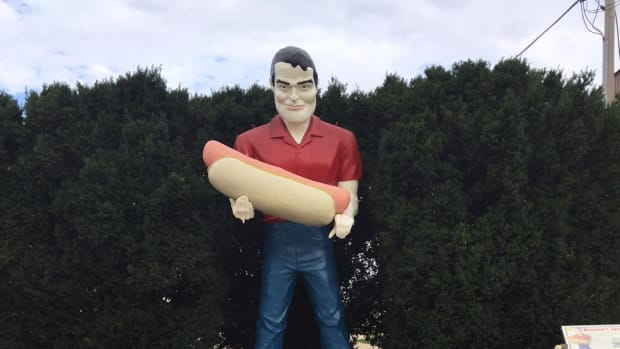 the-best-hot-dogs-along-route-66